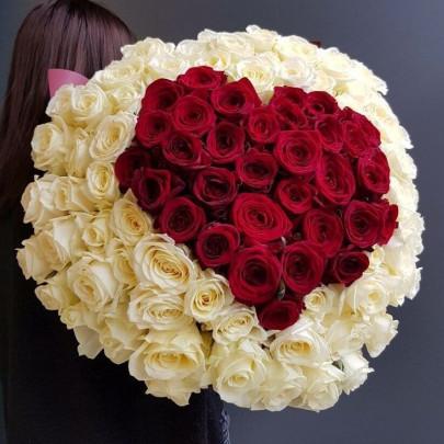 101 Бело-Красная Роза (60 см.) сердце