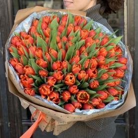 101 Оранжевый Тюльпан в крафте фото