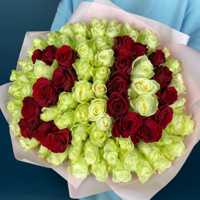 101 Белая и Красная Роза (40 см.) цифры фото