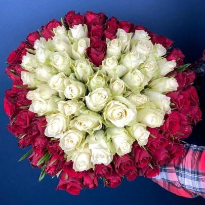 101 Красная и Белая Роза (40 см.) сердце  фото