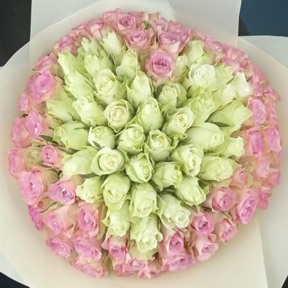101 Розовая и Белая Роза (40 см.) сердце фото