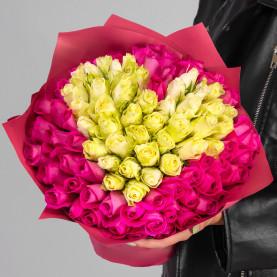 101 Ярко-Розовая и Белая Роза (30-40 см.) сердце фото