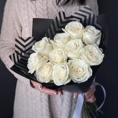 11 Белых Роз Эквадор (50/60 см.) фото