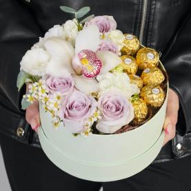 11 Цветков Микс в коробке с ferrero фото
