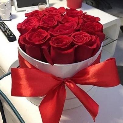 11 Красных Роз в коробке фото