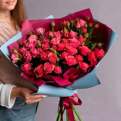11 Кустовых Малиновых Роз (50 см.) фото