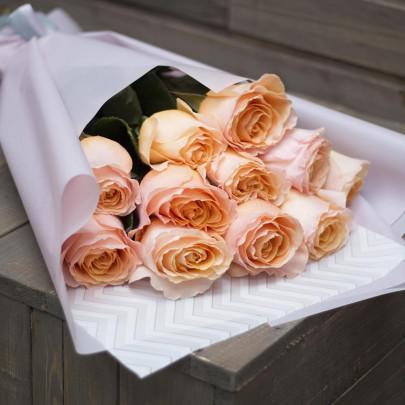 11 Роз Tiffany (50/60 см.) фото