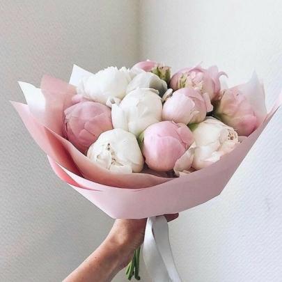 11 Розовых и Белых Пионов фото