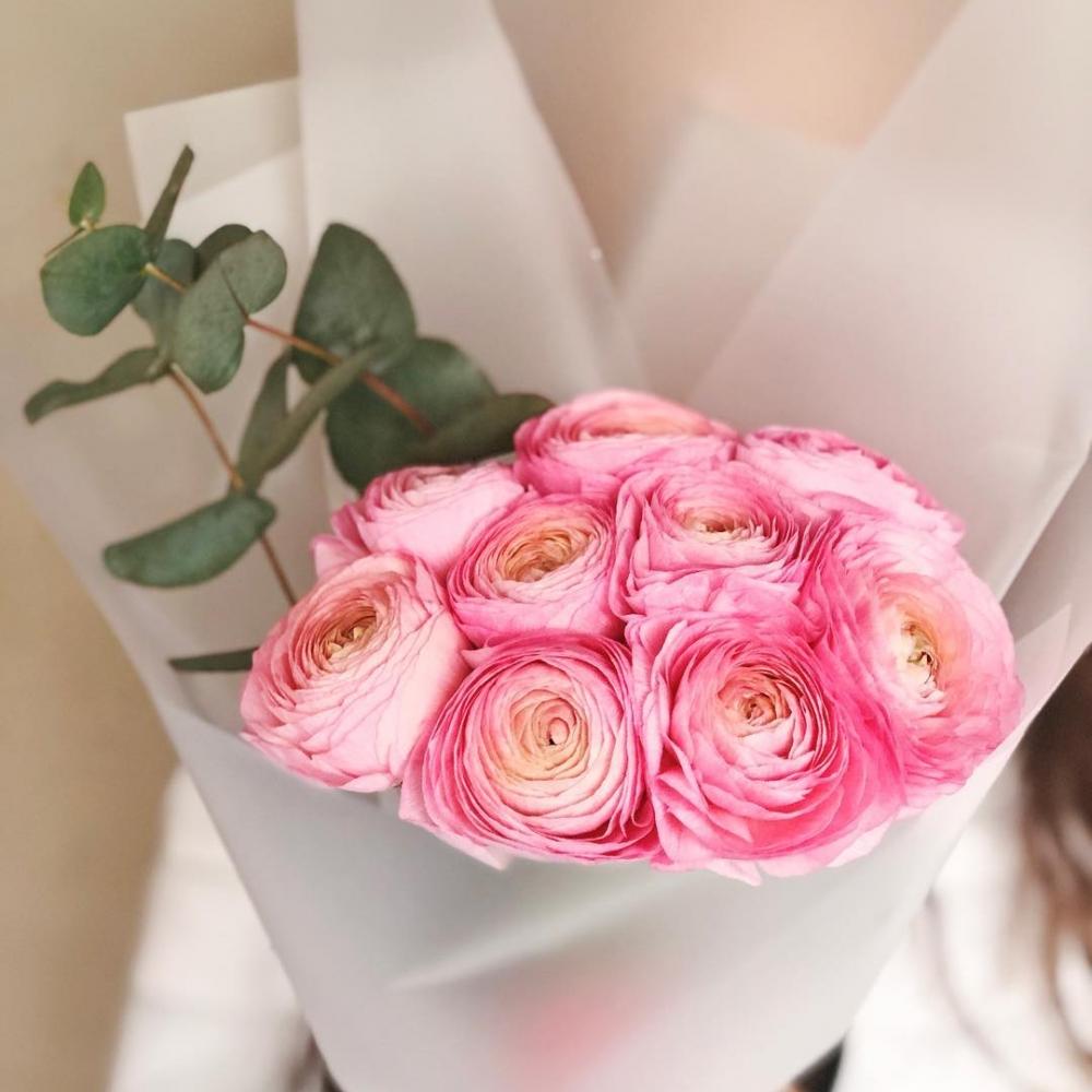 11 Розовых Ранункулюсов фото