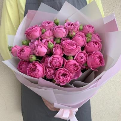 11 Кустовых Пионовидных Малиновых Роз (50 см.) фото