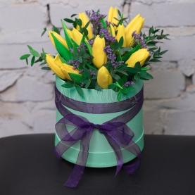 11 Тюльпанов коробка фото