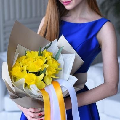 11 Желтых Нарциссов