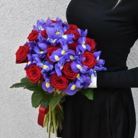 13 Красных Роз и Ирисы фото
