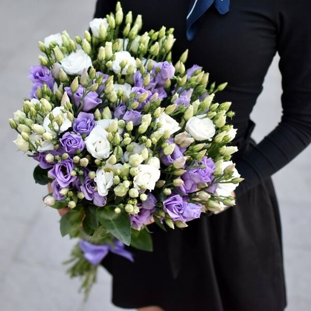 15 Белых и Фиолетовых Эустом фото