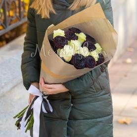 15 Черно-Белых Роз (70 см.) фото
