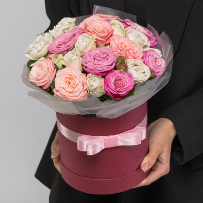 15 Кустовых Пионовидных Роз Микс (40 см.) в коробке фото