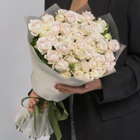 15 Кустовых Пионовидных Сиреневых Роз (50 см.) фото
