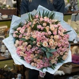 35 Бело-Розовых Роз Кустовых (50/60 см.) фото