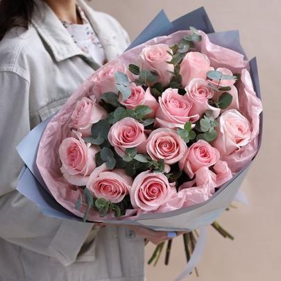 15 Розовых Роз (60 см.) фото