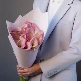 15 Розовых Калл фото