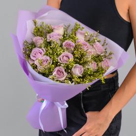 15 Сиреневых Роз (40 см.) с хамилациумом фото