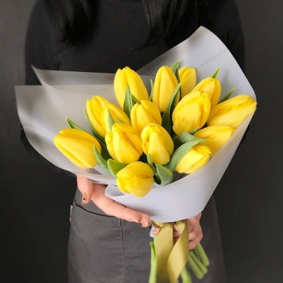 15 Желтых Тюльпанов фото