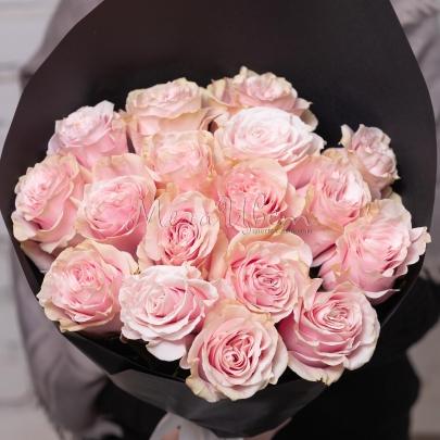 17 Розовых Роз Эквадор (50 см.) фото