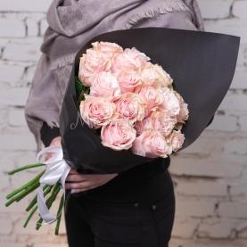 17 Розовых Роз Эквадор (50/60 см.) фото