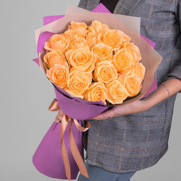 19 Персиковых Роз (50 см.)