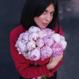 19 Пионов розовых фото