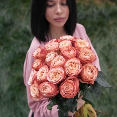 19 Роз Кахала (50 см.) фото