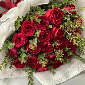 25 Красных Пионовидных Роз (50-60 см.) фото