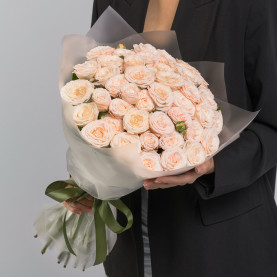 25 Кустовых Пионовидных Кремовых Роз (50 см.) фото