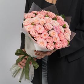 25 Кустовых Пионовидных Персиковых Роз (50 см.) фото
