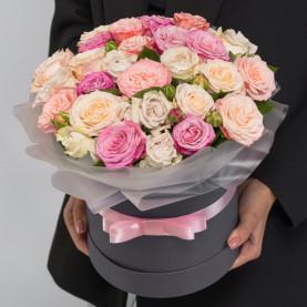 25 Кустовых Пионовидных Роз Микс (40 см.) в коробке фото
