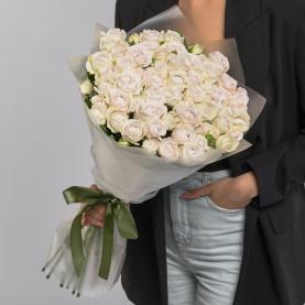 25 Кустовых Пионовидных Сиреневых Роз (50 см.) фото