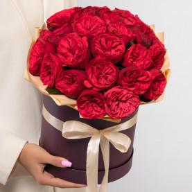 25 Пионовидных Красных Роз (40 см.) в коробке фото