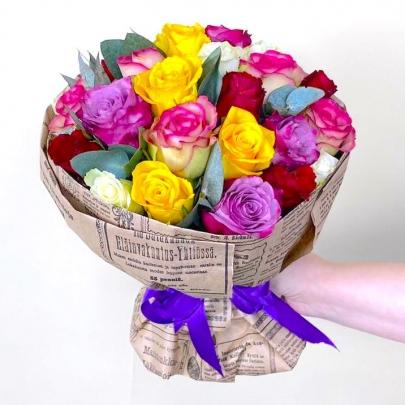 25 Разноцветных Роз (50 см.) фото