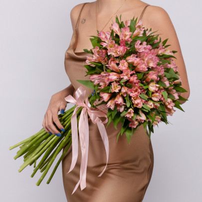25 Розовых Альстромерий фото