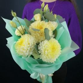 3 Кремовые Хризантемы фото