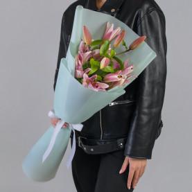 3 Розовые Восточные Лилии фото