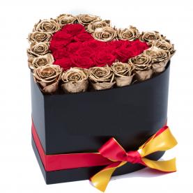 """Шляпная Коробка """"31 Золотая Роза Сердце"""""""