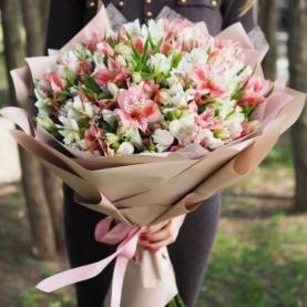 35 Бело-Розовых Альстромерий фото