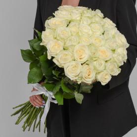 35 Белых Роз (60 см.) фото