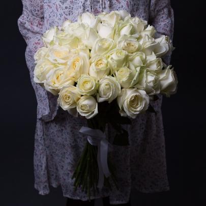 35 Белых Роз Premium (40/50 см.) фото