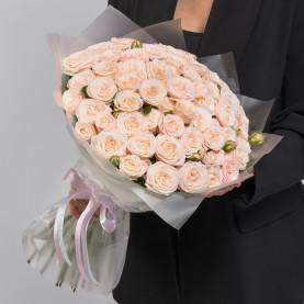 35 Кустовых Пионовидных Кремовых Роз (50 см.) фото