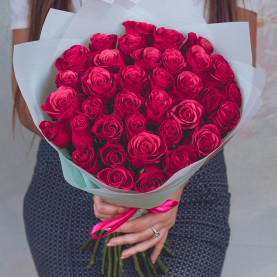 35 Малиновых Роз (40 см.) фото