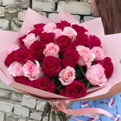 35 Розово-Малиновых Роз (60 см.) фото