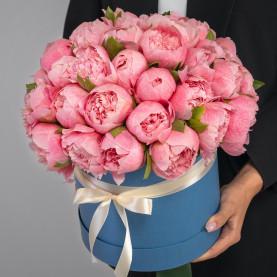 35 Розовых Пионов в коробке фото