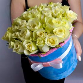 45 Белых Роз (40 см.) в коробке фото